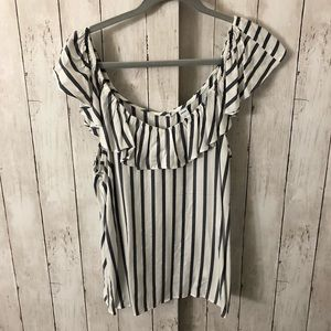 Old Navy Tops - NWT off the shoulder top Size L